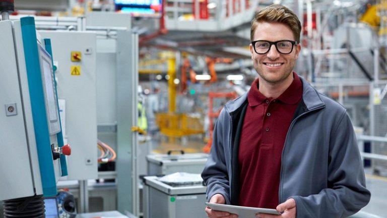 Como as tecnologias otimizam a produção industrial?